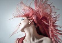 Jak przestać niszczyć włosy? - kilka typowych praktyk pielęgnacji włosów