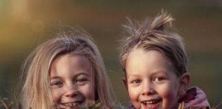 Kiedy dzieciom wypadają zęby mleczne?
