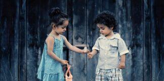 Co robić gdy dziecko bije lub gryzie inne dzieci?